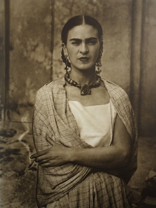 Frida_Kahlo,_by_Guillermo_Kahlo_3